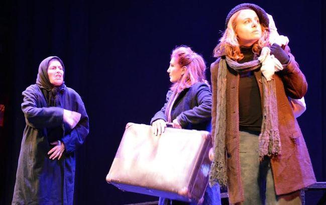 'Mujeres del Viento' sobrecoge poniendo cara a 'la desbandá'