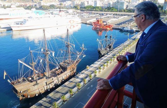 La réplica de la nao 'Victoria' entra en el Puerto en su 'nueva' vuelta por el Mundo