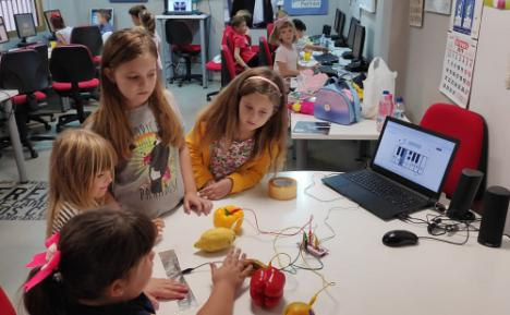 Guadalinfo lanza un reto para desarrollar videojuegos ante el #COVID19