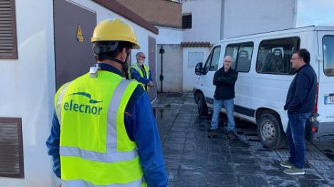 Nueva línea en el Cerro de San Roque para evitar cortes eléctricos en Berja
