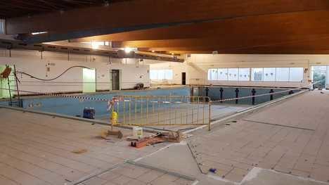 Se inician las obras de rehabilitación de la piscina cubierta de Cuevas