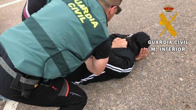 Guardia Civil de Almería participa en la desarticulación de una red de inmigración ilegal de Argelia