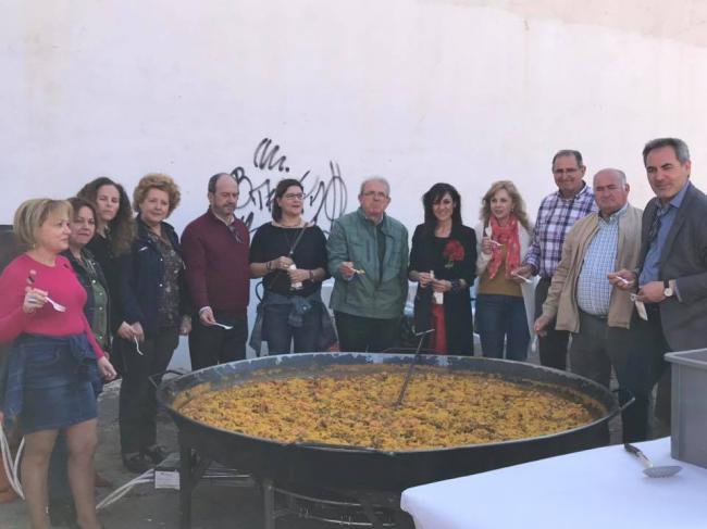 Paella solidaria en el Día de Andalucía de Vícar