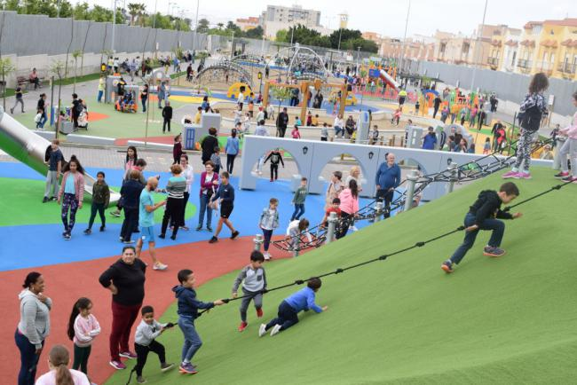 6.000 Personas Disfrutan Del Parque De La Infancia de Vícar En Su Primer Fin De Semana