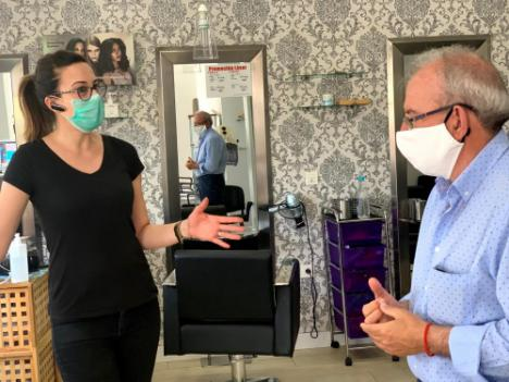 El Alcalde Pide A La Ministra De Hacienda Que Atienda Las Demandas De Las Peluquerías
