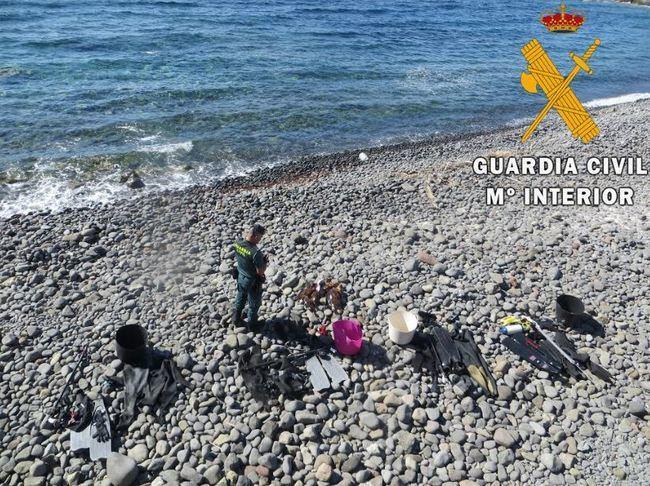 La Guardia Civil investiga a 4 personas por pesca ilegal en Cabo de Gata