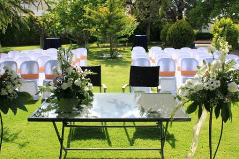 ¿Cómo organizar tu boda en tu propio jardín? Puntos más importantes que debes saber