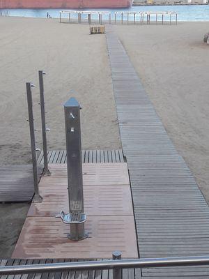 Las playas de Garrucha recuperan su servicio de biblioteca diez años después
