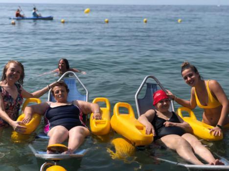 Mayores de Vícar Disfrutan Este Verano De La Playa