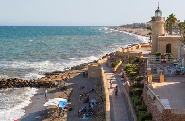 Roquetas de Mar renueva su catalogación como Municipio Turístico
