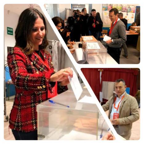 Votan los candidatos socialistas Pérez Navas, Inés Plaza, y Indalecio Gutiérrez