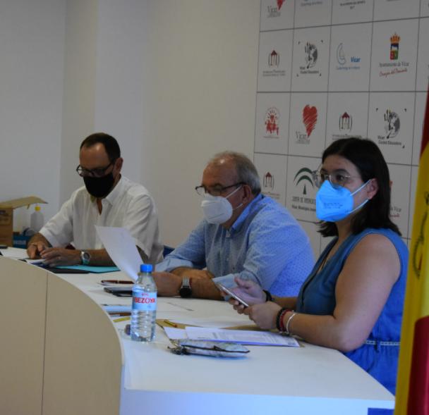 El pleno aprueba la cesión gratuita del centro de Formación Profesional 'Ciudad de Vícar' a la Junta