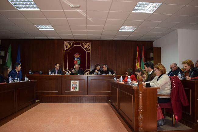 El pleno de Vícar pide más guardias civiles tras ampliar el Cuartel