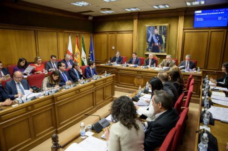 Diputación regula los servicios tecnológicos a los 103 municipios