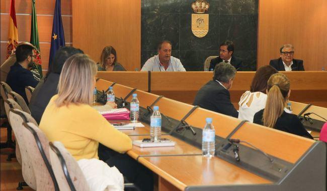 El Pleno aprueba formalizar un crédito tras agrupar las operaciones pendientes con el ICO