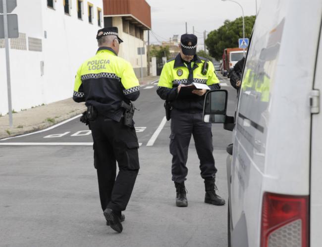 Un 4,6% De Los Vehículos Controlados Por La Policía De Vícar Superaron la velocidad límite