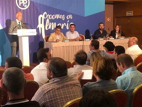 Amat se fija la meta de seis parlamentarios en las autonómicas