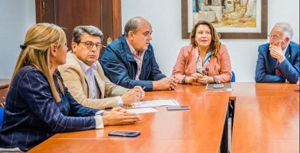 Matarí denuncia el agravio a los arrastreros de Almería