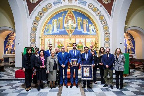 La Hermandad de la Estrella reconoce al alcalde por la promoción de la Semana Santa