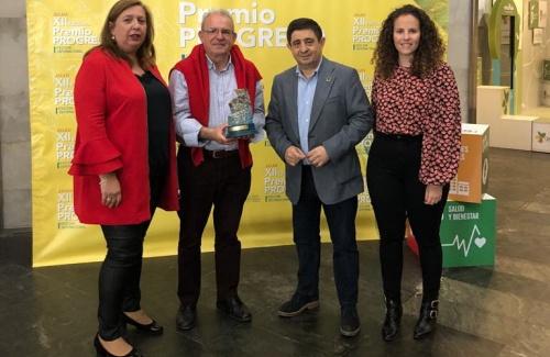 Antonio Bonilla Recoge El Premio Progreso Concedido por FUDEPA