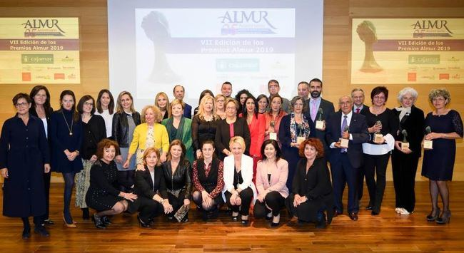ALMUR premia al Ayuntamiento de Almería por su apoyo al Plan de Igualdad en Empresas