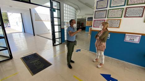 El Ayuntamiento de Berja prepara los colegios para la vuelta a clase