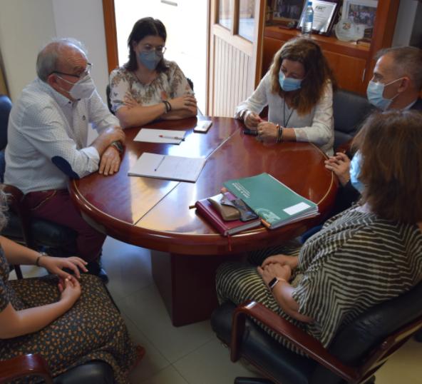 El ayuntamiento de Vícar y la Junta de Andalucía acuerdan la apertura del Centro Comarcal De Formación