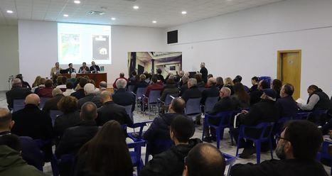 Los refugios de la Guerra Civil en Adra y el castillo de Alcolea en el nuevo número de Farua