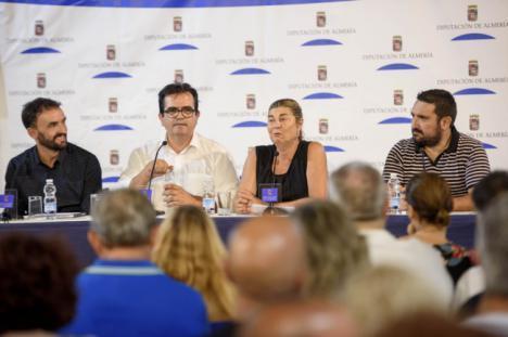 Manu Méndez presenta su libro fotográfico en la Diputación