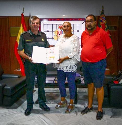 La Guardia Civil recibe de la Federación Gitana de Almería un protocolo de mediación en conflictos y renuevan su colaboración en prevención y actividades culturales