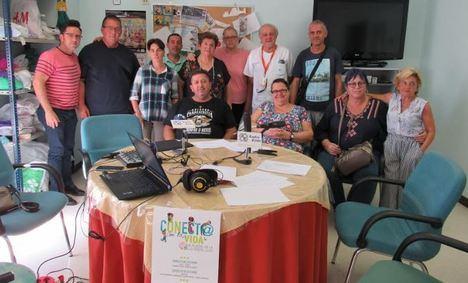 Personas con trastorno mental participan en el Hospital de Poniente en un programa de radio