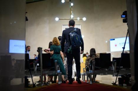 Casi tres horas y media de discursos leídos deja el Estado de la Ciudad sin debate