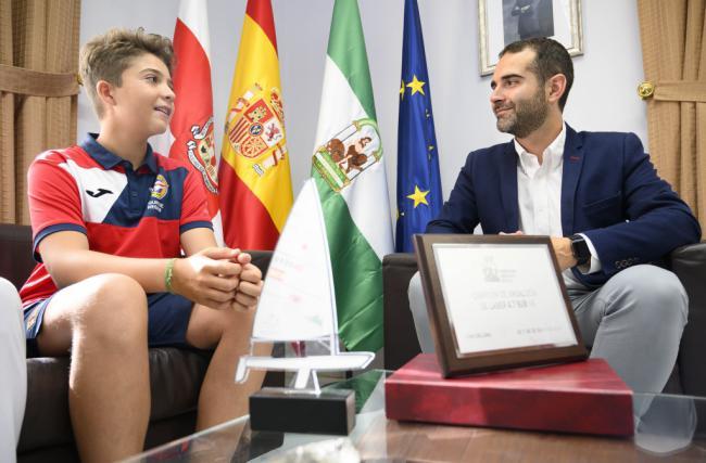 El joven regatista Alejandro Payés se proclama campeón de Andalucía sub 16 en vela