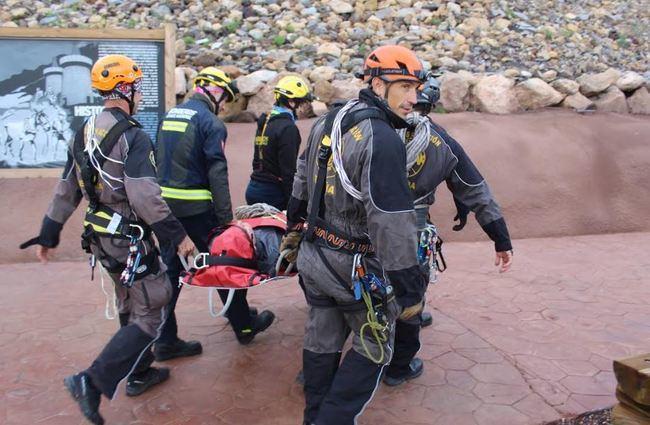Los Bomberos del Levante efectúan un segundo ejercicio de rescate en la Geoda de Pulpí