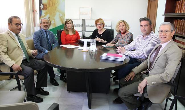 El alcalde de Vera reune a la Comisión de la FAMP que preside
