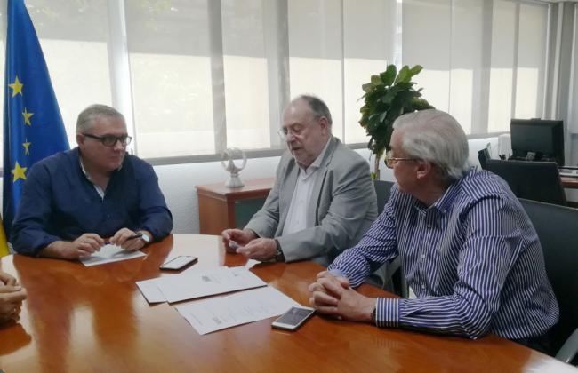 Primeros pasos para crear un centro portuario de empleo de Almería