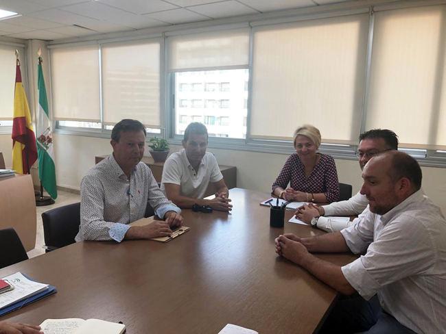 Primera reunión de trabajo del nuevo equipo de Gobierno de Berja con la delegada de Fomento de la Junta