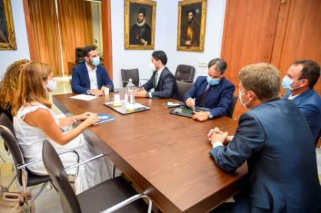 Las comunicaciones del Ayuntamiento costarán más de 130.000 euros al año