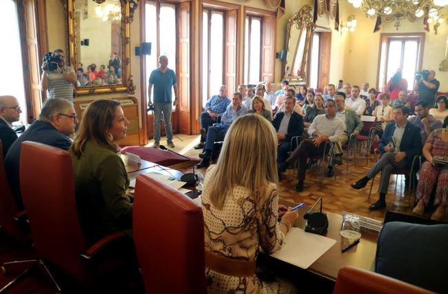 Crespo anuncia el inicio de los arreglos de caminos rurales afectados por la gota fría