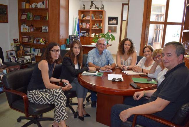 La Directora General De Políticas Migratorias conoce La Realidad De La Inmigración En Vícar