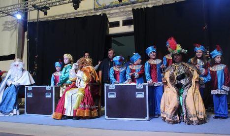 Multitud de niños disfrutan con la cabalgata de los Reyes Magos en Pulpí