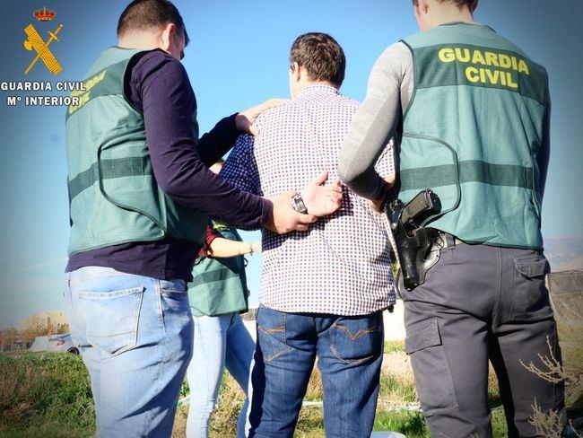 Cuatro detenidos cuando robaban en viviendas de Campohermoso