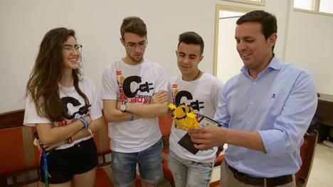 Diputación recibe a los campeones mundiales de robótica del 'IES Cardenal Cisneros'