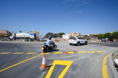 Abierta al tráfico la nueva rotonda de El Puche