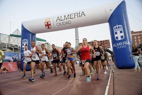 Más de cien corredores en la primera edición del '4 Horas Running Feria de Almería'