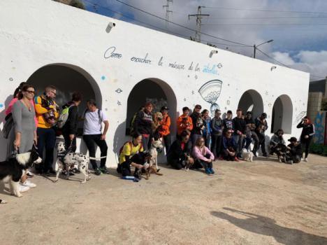 Vícar Celebra Su Primera Ruta De Senderismo Canino Con Un Recorrido Por El Entorno De La Villa