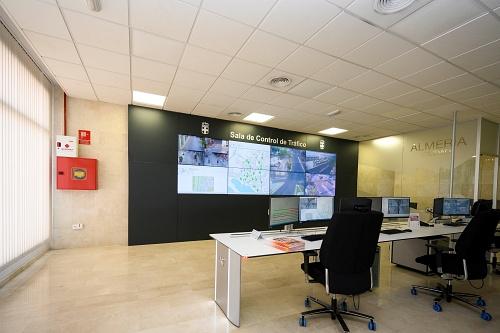 El Ayuntamiento extiende a El Toyo la dotación de cámaras de control de tráfico