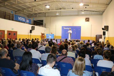 Góngora arranca la campaña en San Agustín incidiendo en la experiencia y solvencia del PP