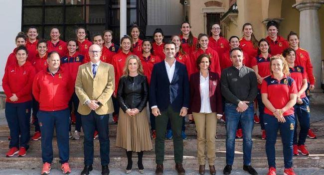 Almería da la bienvenida a 'Las Leonas' ante su partido contra Escocia