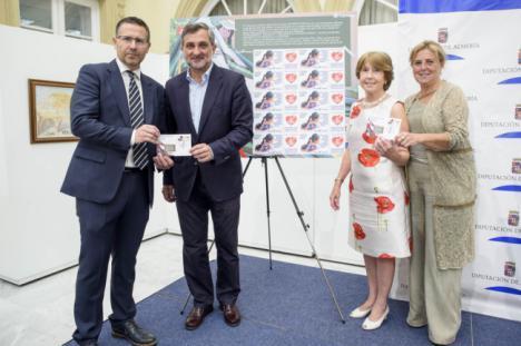 Diputación presenta el primer sello solidario de Correos y Manos Unidas